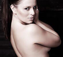 Sarah by Geoffspix