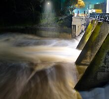 Torrens Weir at Flood by Alex Frayne