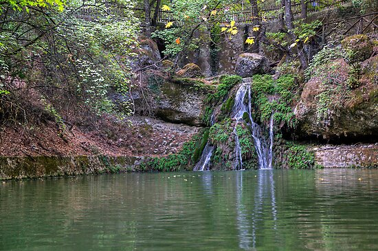 Petaloudes Waterfall by Tom Gomez