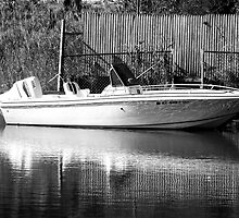 lonely little boat B&W by henuly1