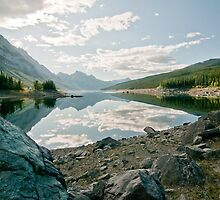 Morning on Medicine Lake by traveller