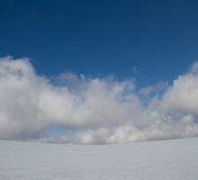 Taking a break - Mt Feathertop.  by Ben |  Greg