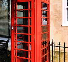 Red Phone Box by JEZ22