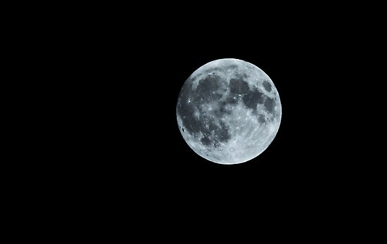 Blue Moon by ilva