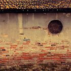 Rusty wall by farcaphoto