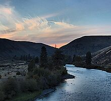 Yakima Sundown by Mike  Kinney
