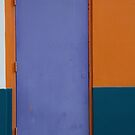 Violet sur Orange & Bleu by Corinne Pouzet