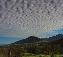 Sugarloaf sky. by Donovan wilson