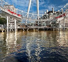 London Eye 2010 by greenbunion