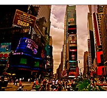 On The Move, Times Square by micpowell