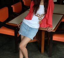 young lady wearing casual suite by bayu harsa