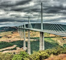 Millau Viaduct by EllensEye