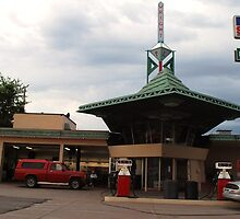Frank Lloyd Wright Gas station by Shelby  Stalnaker Bortone