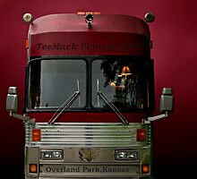 Photographers Motor Coach. by TeeMack