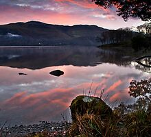Dawn breaks over Derwent water by Shaun Whiteman