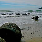 Moeraki Boulders, New Zealand. by johnrf