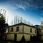Old House  by zdepe