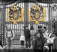Golden Gates: Buckingham Palace, London. UK. by DonDavisUK