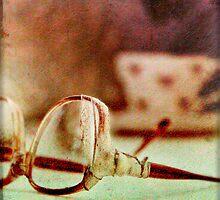 Broken Glasses by mbricknell