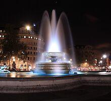 Trafalgar Square London, Fountain by Dave Godden