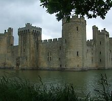 Bodiam Castle  by jason21