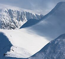 Stob Ban & crags of Sgurr an Lubhair by toonartist
