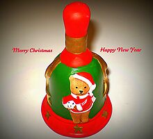 "Santa's Bell - ringing out ""Happy Holiday Greetings to all"" by EdsMum"