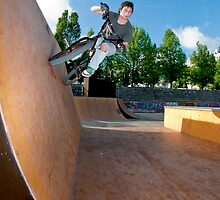 BMX Bike Stunt Wall Ride by homydesign