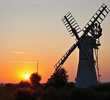 Thurne Sunset by Robert  Geldard