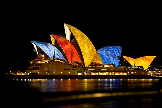 Vivid Sydney Opera by Chris Westinghouse
