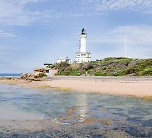 Point Lonsdale Lighthouse by Linda Lees