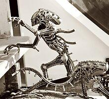 Alien Predator on teh streets by yurix