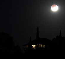 Lunar Eclipse 21st december 2010 by Kym Howard