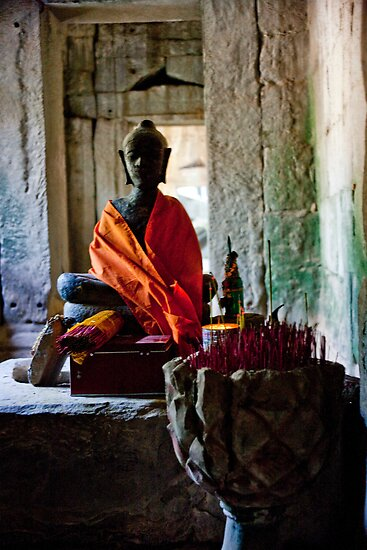 Mysterious Buddha by phil decocco