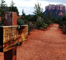 On the trail to Bell Rock by leighroy