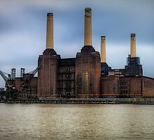 Battersea Power Station by murphyz