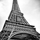 Eiffel Tower in Black and White by Shutter and Smile Photography