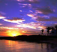Wakiki Beach at dawn by davidautef