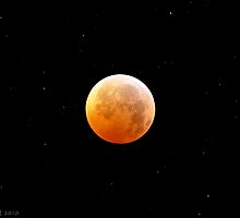 Lunar Eclipse on Winter Solstice December 21 2010 by ShotByAWolf