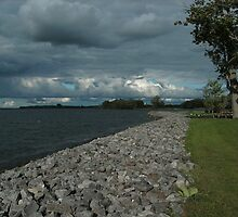 Saint Lawrence River by linmarie