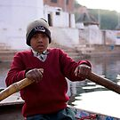 Chitrakot boat boy by David Reid