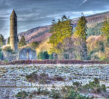 St.Kevin's Tower, Glendalough by Julian Easten