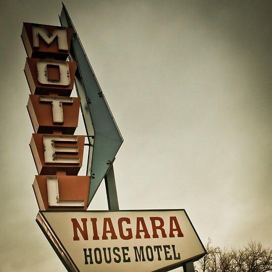 Niagara House by John  De Bord Photography