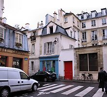 On the move in Paris by SoulSparrow
