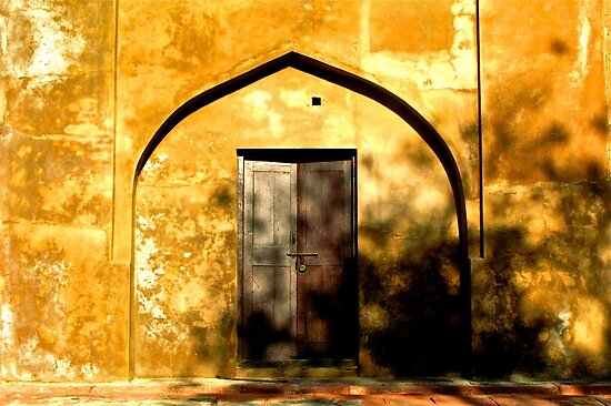 Golden doorway-Agra, India by mypic