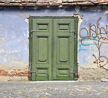 Green door - Sibiu (Hermannstadt), Romania by irinao