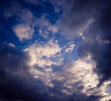 Brisbane Sky - Looking Up - January 30 2011 by LookingUp