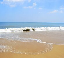 Atlantic Ocean as seen from Rehoboth Beach Delaware by KevinsView