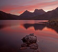 Colours of Cradle Mountain II by tinnieopener