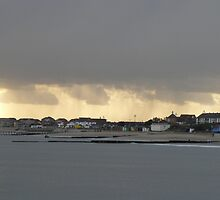 Clacton beach from the pier  by dustyparasol
